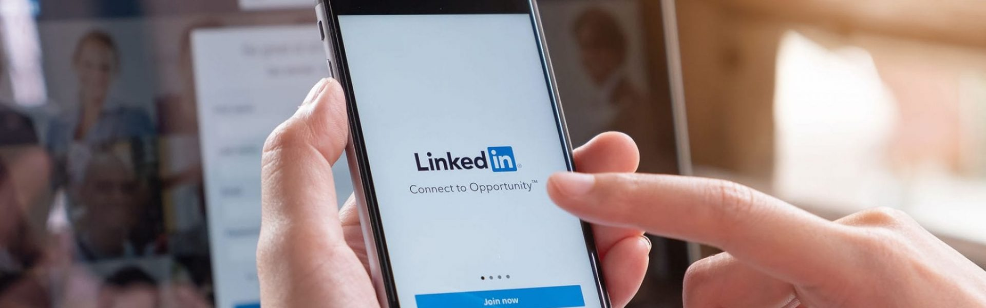 9 Strategies to Generate Leads with LinkedIn